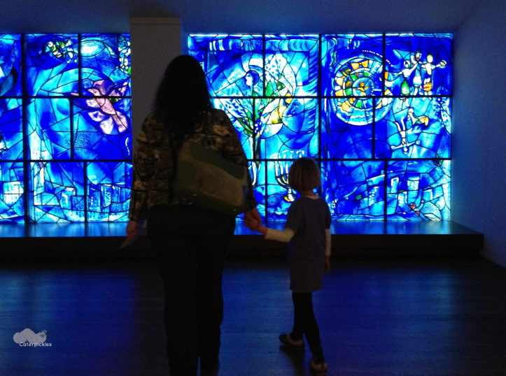 The Six-Year-Old & Mommyo in front of the Marc Chagall wall at the Art Institute of Chicago. (Photo: Michael Howell)