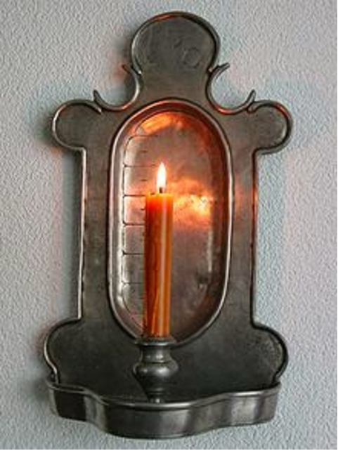 Candle clock. (Photo via the Real Happenings & Facts blog.)