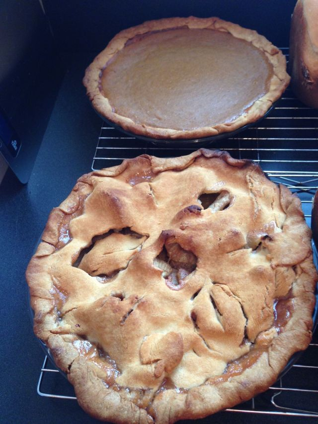 Visions of Thanksgivings past: Homemade apple and pumpkin pies (Photo: Shala Howell)
